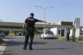 Policajná kontrola na na slovensko-maďarskom hraničnom priechode Milhosť -Tornyosnémet.