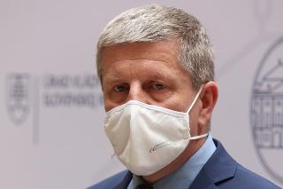 Vladimír Lengvarský analyzuje situáciu pre povinné očkovanie zdravotníkov.