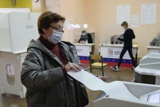 Rusko tvrdí, že dochádza k cudziemu zasahovaniu do jeho parlamentných volieb.