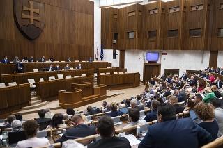 Rokovacia sála počas hlasovania na 9. schôdzi NR SR v Bratislave