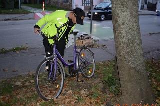 Polícia vyšetruje v Trnave úmrtie cyklistu na priechode pre chodcov.