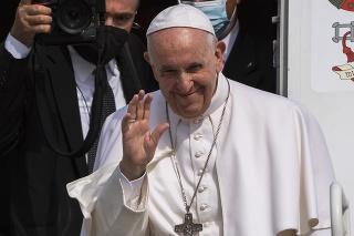 Zasiahol pápež: