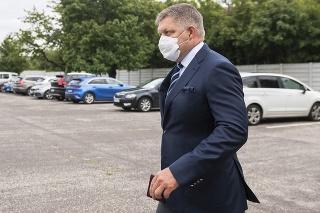 Robert Fico odchádza z pojednávania po vynesení rozsudku nad Dušanom Kováčikom.