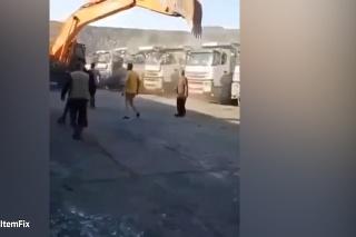 Pomsta šéfovi: Vodič bagru z Turecka nedostal výplatu