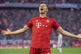 Robert Lewandowski prekonal v predchádzajúcej sezóne rekord Gerda Müllera v počte strelených gólov.