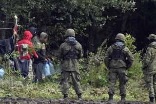 Poľsko tvrdí, že má dôkazy o účasti Bieloruska na presune migrantov k hraniciam.