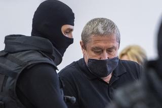 Obžalovaný bývalý špeciálny prokurátor Dušan Kováčik pred vyhlásením rozsudku na Špecializovanom trestnom súde (ŠTS) v Pezinku.