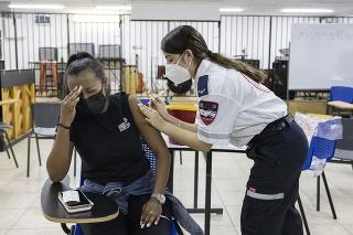 Izrael mení pravidlá pre učiteľov, ktorí sa odmietajú očkovať a testovať.