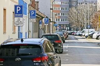 Spustenie parkovacej