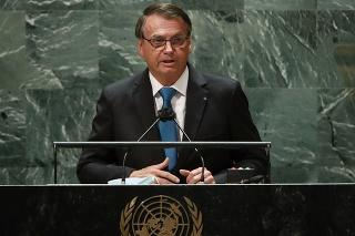 Na snímke brazílsky prezident Jair Bolsonaro reční na 76. Valnom zhromaždení OSN v New Yorku.