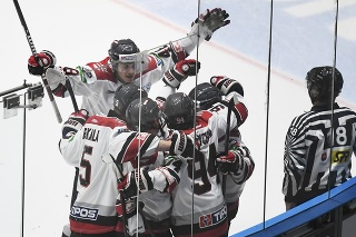 Na snímke gólová radosť hráčov Prešova v 1. kole hokejovej Tipos extraligy HC Grotto Prešov - HC '05 Banská Bystrica