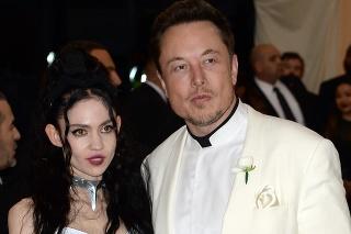 Elon Musk sa rozišiel so svojou priateľkou, speváčkou Grimes.
