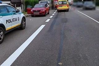 Pri zrážke s osobným autom sa v Povine zranili dve chodkyne.
