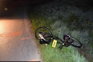 V Trenčianskej Turnej zrazilo auto cyklistu, je ťažko zranený.