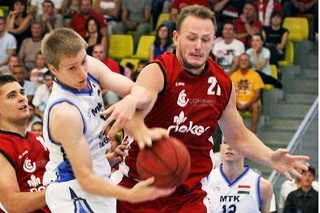 Michal Maslík v drese MBK Komárno