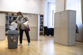 O hlasovanie v zahraničí je rekordný záujem. (ilustračné foto)