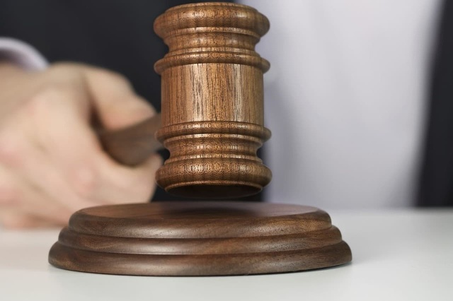 Súd v