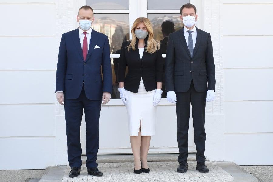 Zľava predseda parlamentu Boris