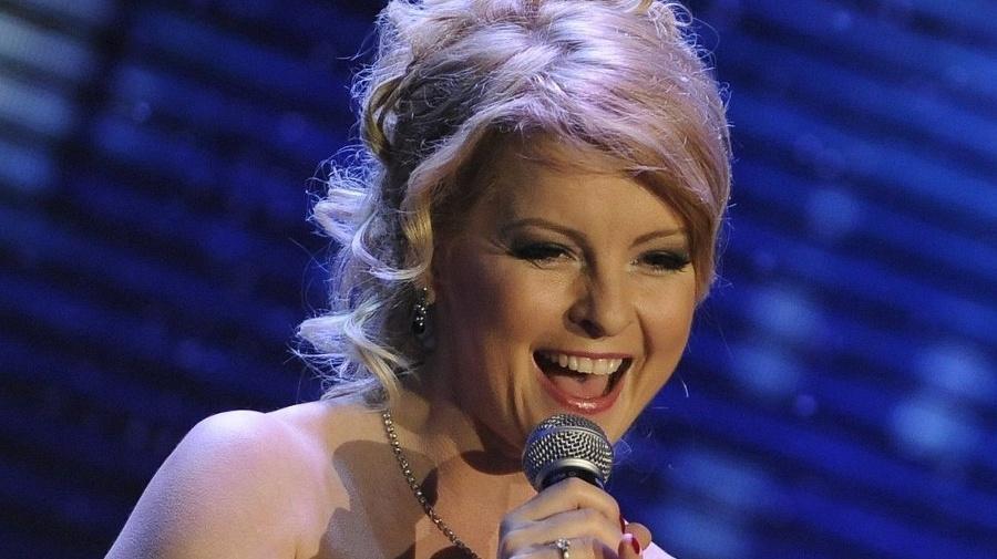 Speváčka Iveta Bartošová