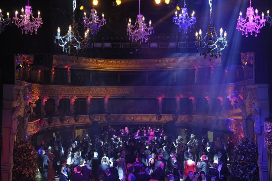 Na Ples v opere