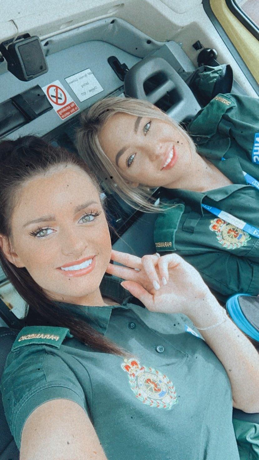 Laura so svojou kolegyňou