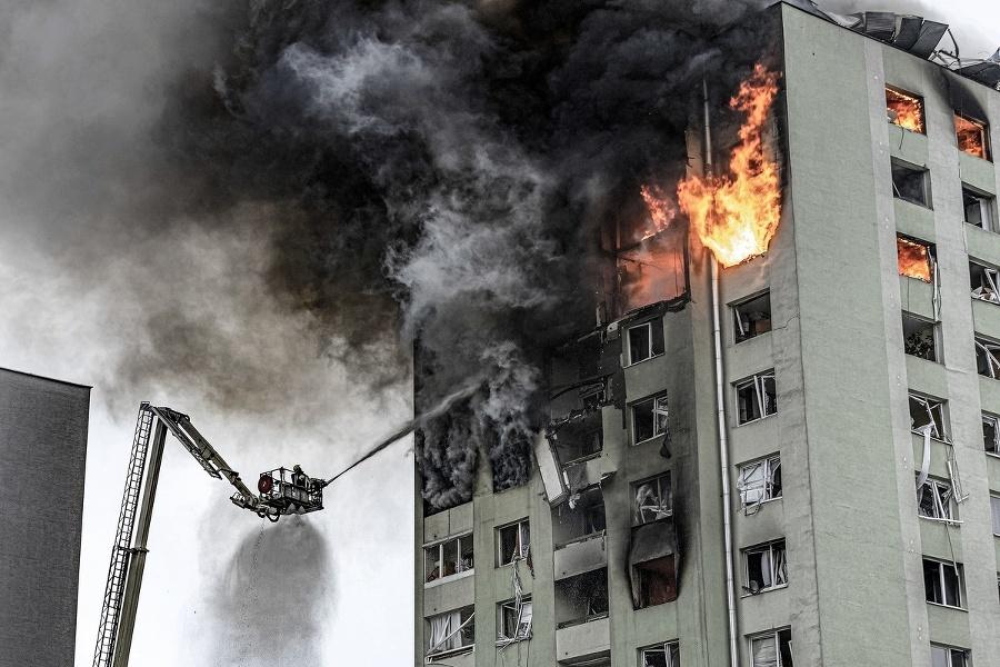 Po výbuchu plynu pohltili