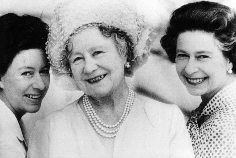 Kráľovná Alžbeta s dcérami