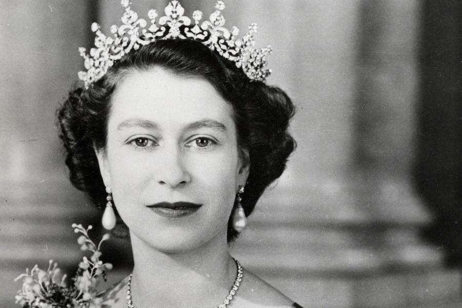 Kráľovná Alžbeta II