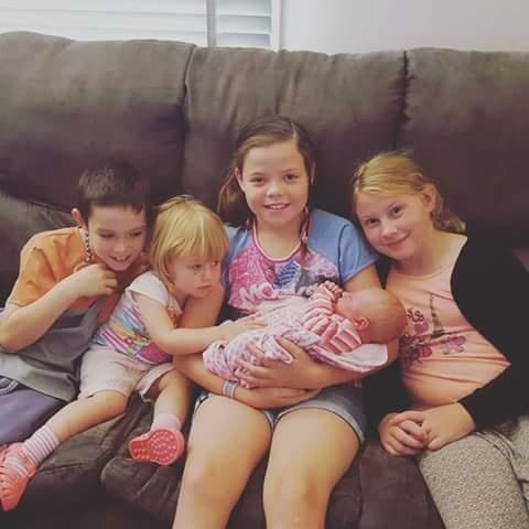 Manželia majú 5 detí.