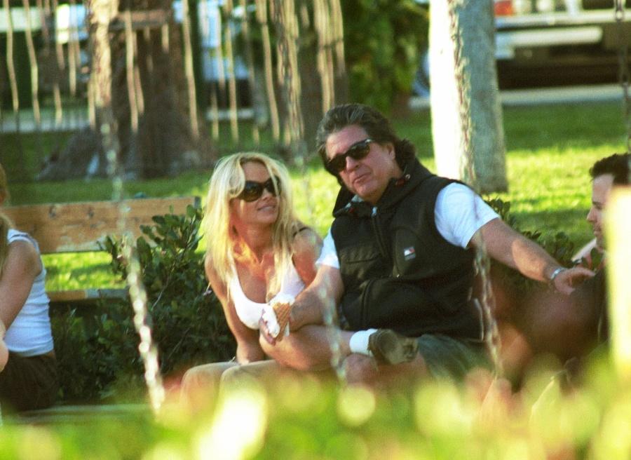 Pamela aJon spolu randili