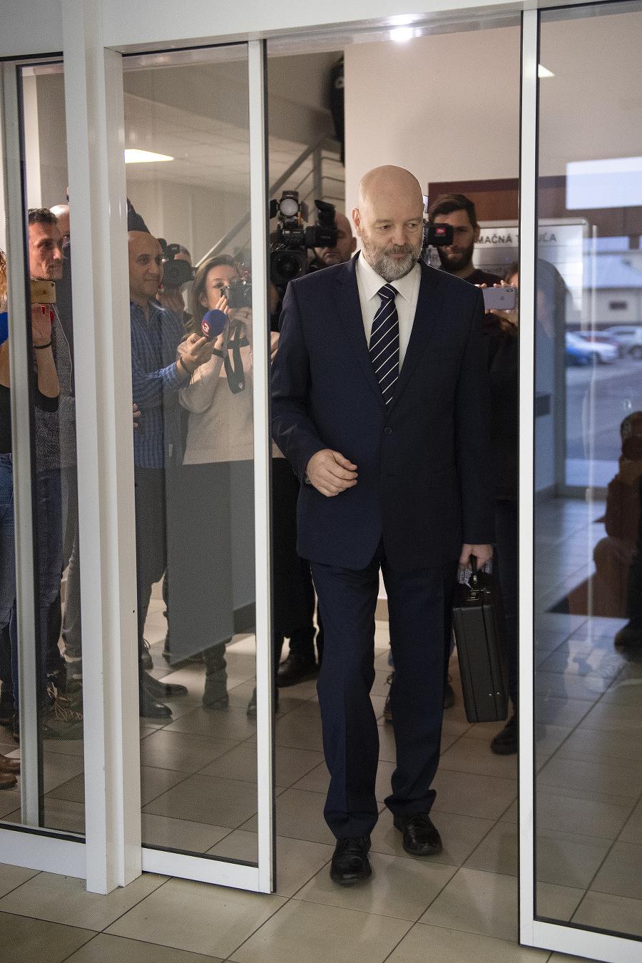 Ruska spovedajú novinári po