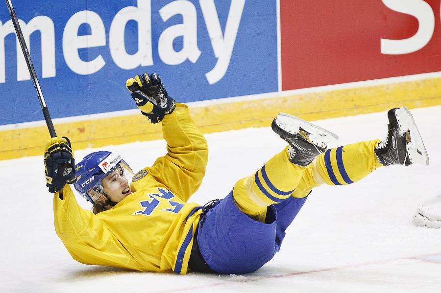 Švédsky hokejista Oskar Lindblom