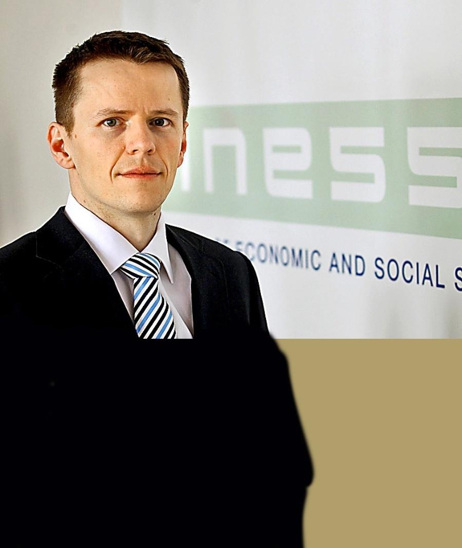 Roman Ďurana, analytik INESS