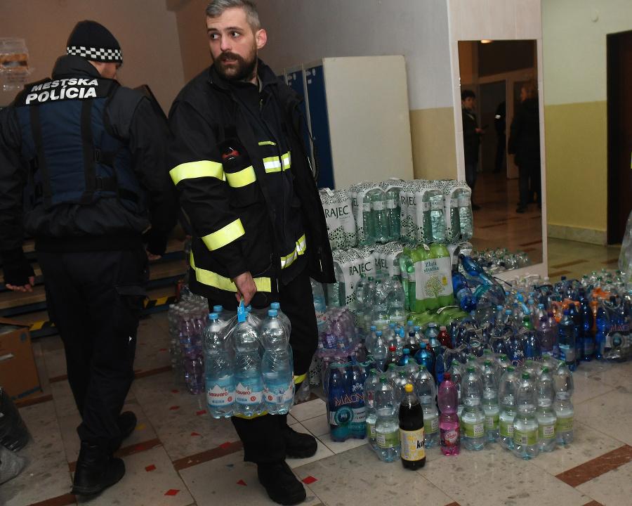 Voda pre obete postihnuté
