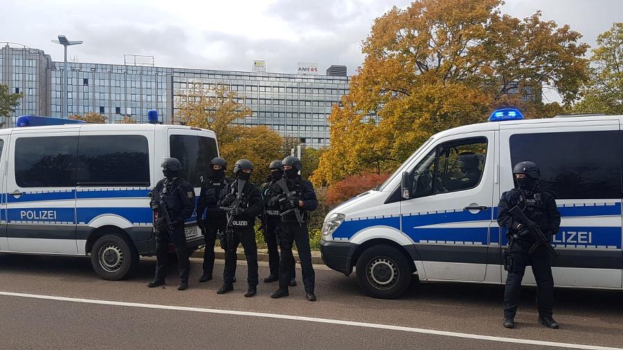 Polícia v pohotovosti.