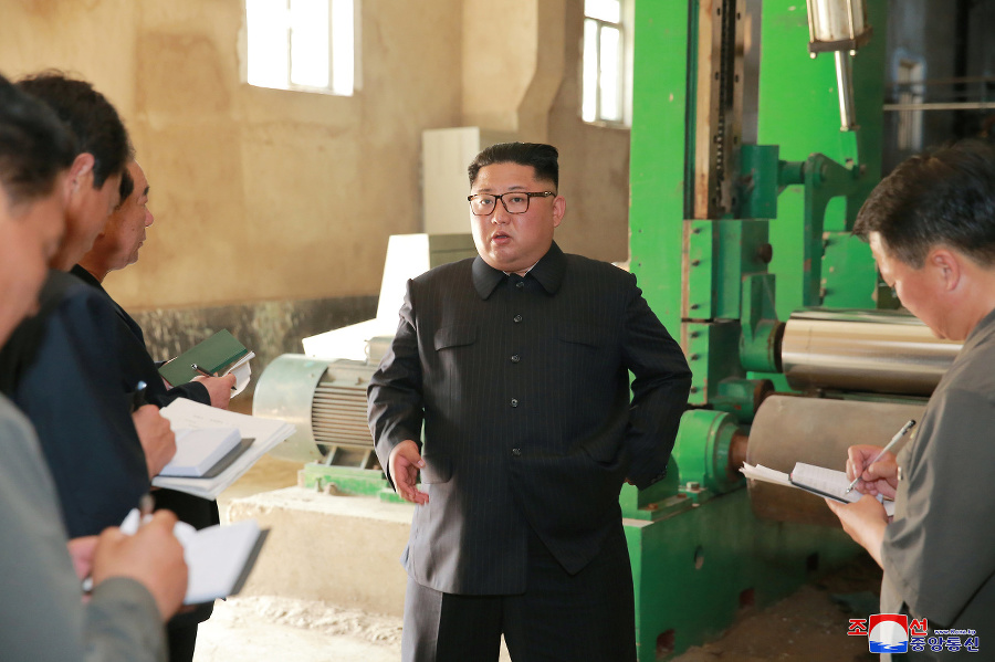 Kim pokarhal robotníkov za