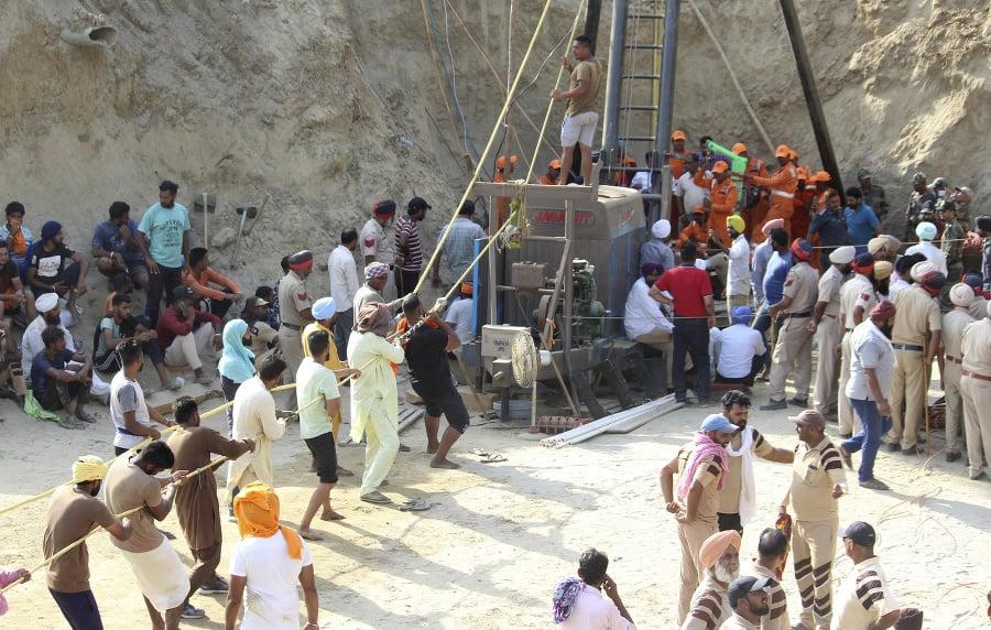 Záchranári vykopali vedľa