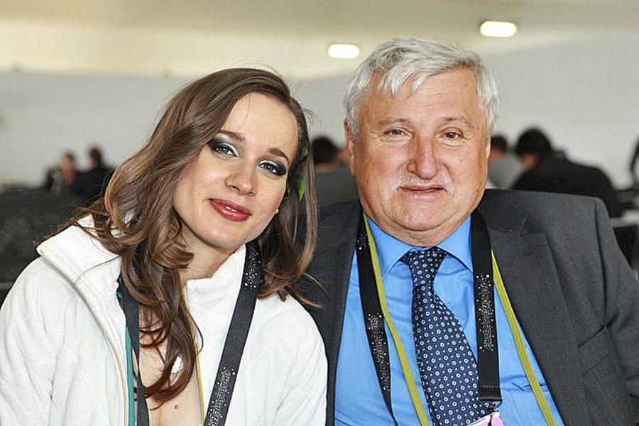 S Kamilom Peterajom: Textár