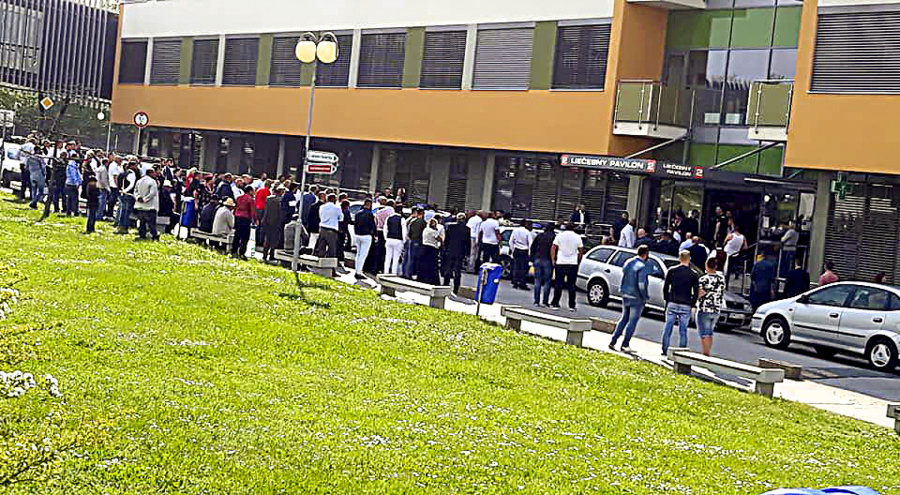 Približne 150 Rómov prišlo