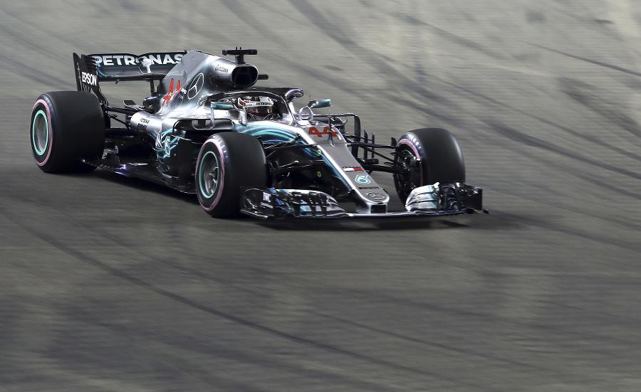 Britský jazdec Lewis Hamilton