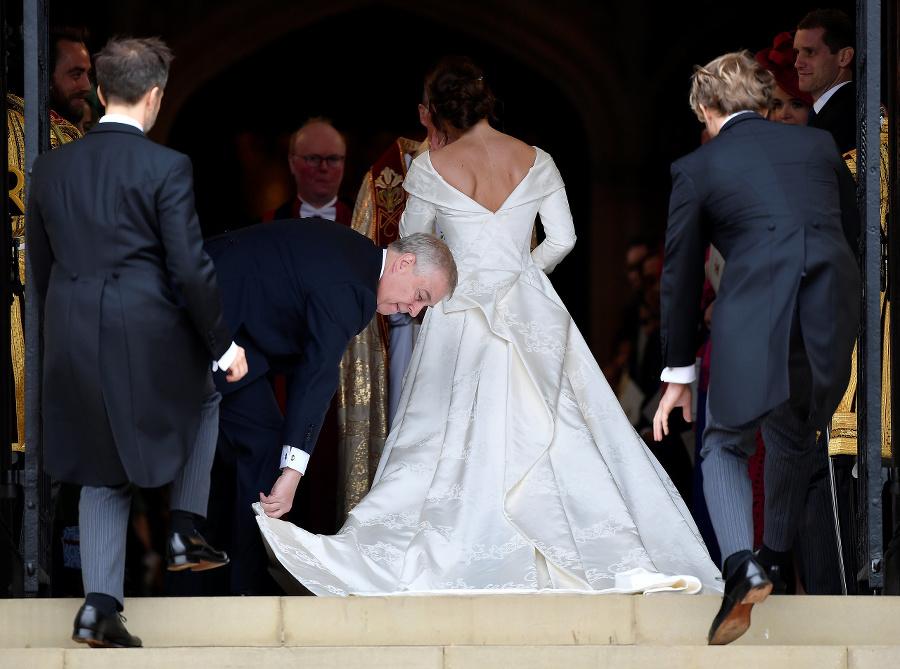 Kráľovná Alžbeta II. pri