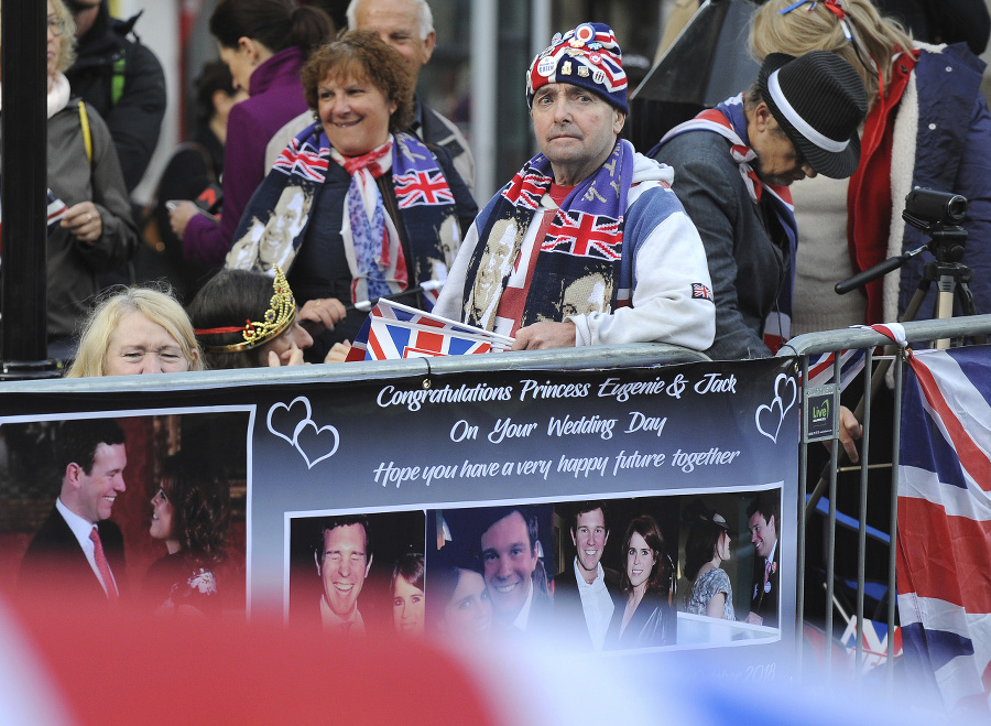 Fanúšikovia kráľovskej rodiny.