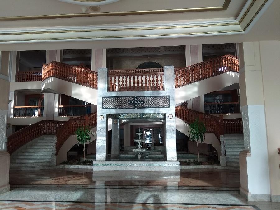 Interiér hotela bol luxusne
