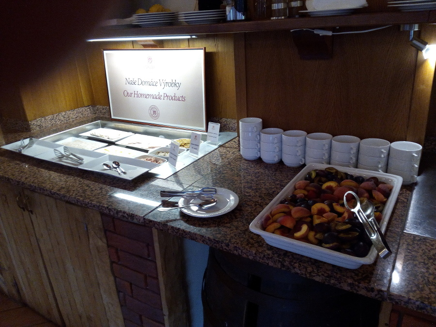 Jedlo v hoteli Družba.