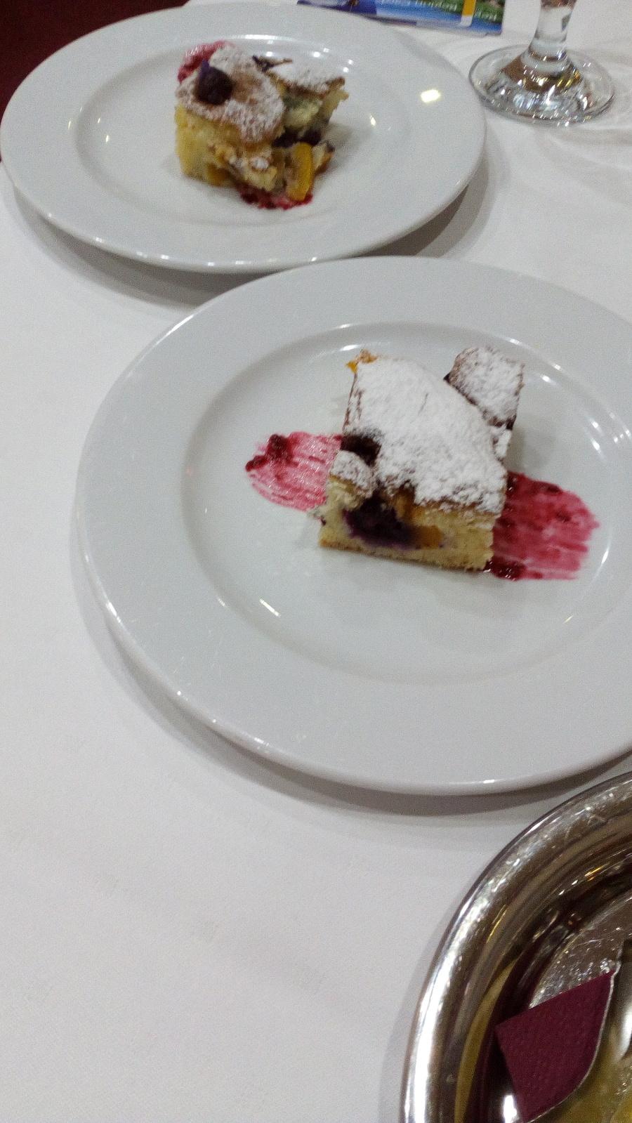 Jedlo v hoteli Altis.