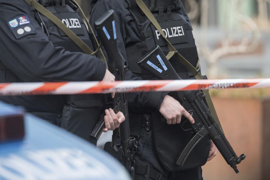 Člena 'Ndranghety zatkli v