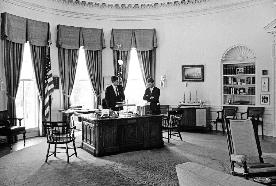 KENNEDYOVCI: Prezident J. F.
