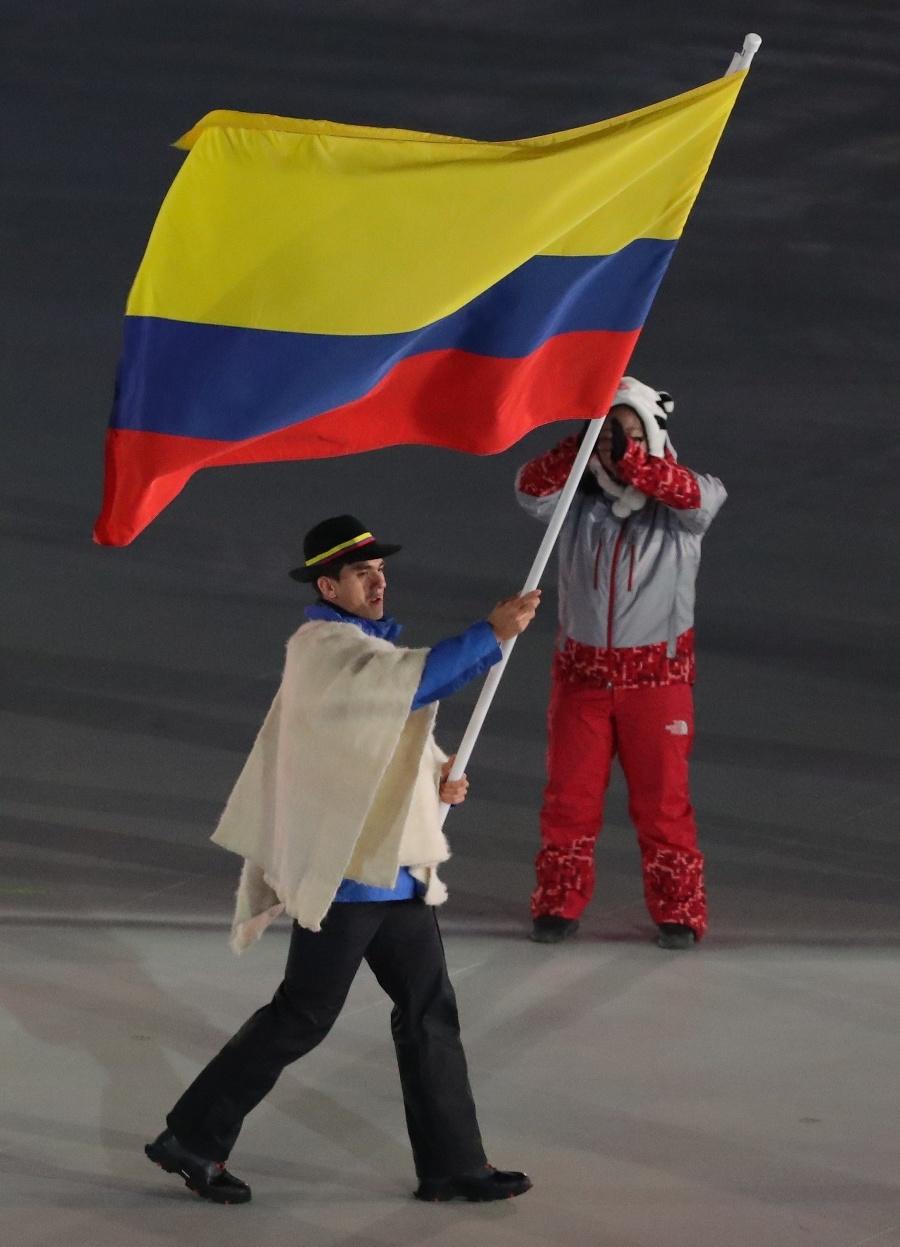 KOLUMBIA: Pončo tradične nechýba