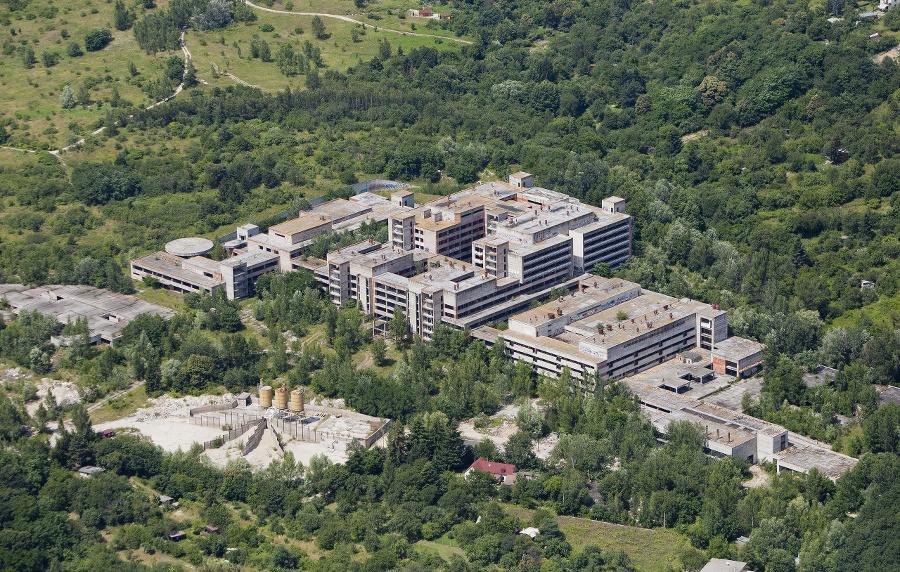 Po nemocnici Rázsochy vLamači