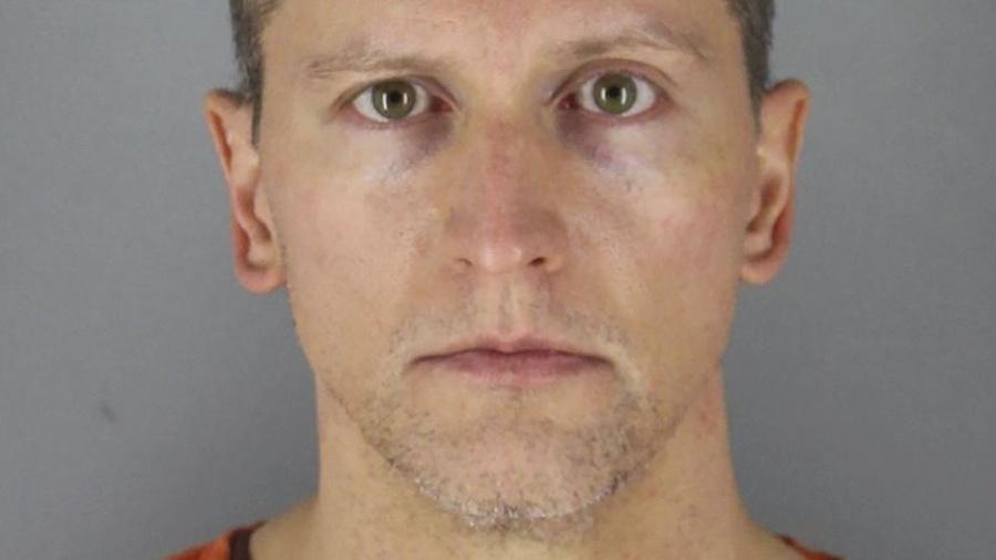 Obvinený expolicajt Derek Chauvin